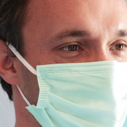 BSM Relax YEŞİL Yassı Lastikle Extra Konfor Cerrahi Maske Toplam 100 Adet